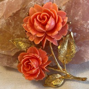 Delicate Vintage Gold Tone & Coral Lucite Rose Pin